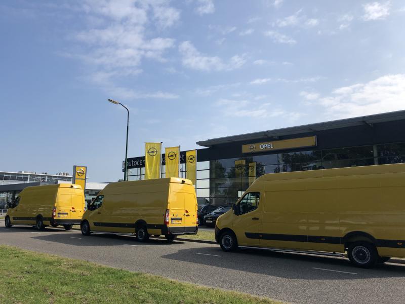 bestelwagen koerier pakketdienst of koerier leasen